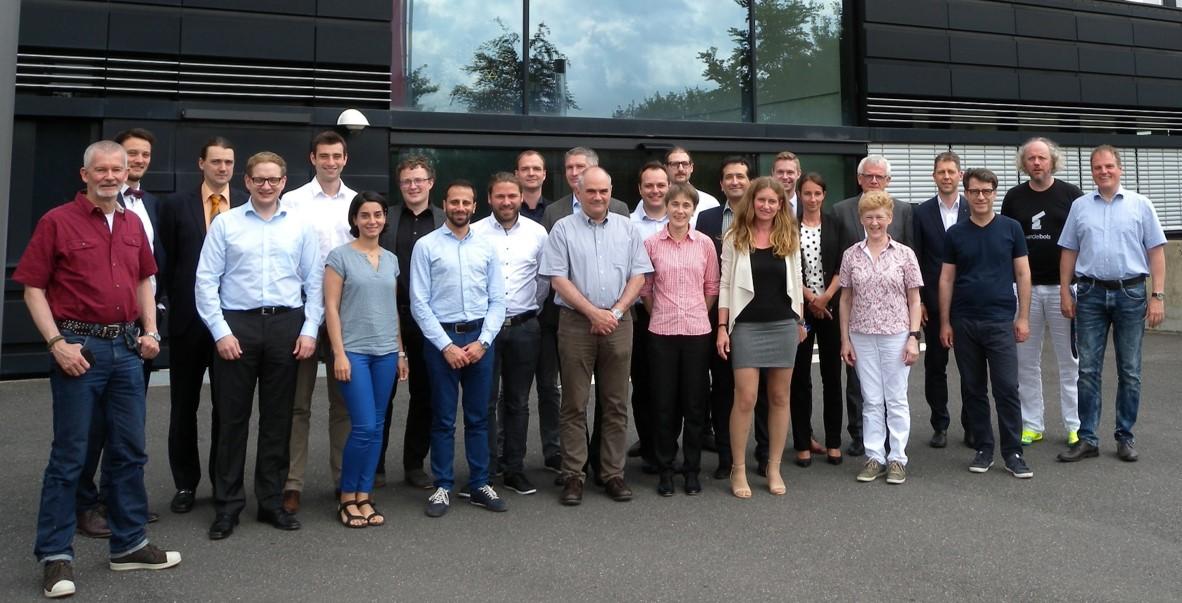 Gruppenbild der beteiligten Mitarbeiter